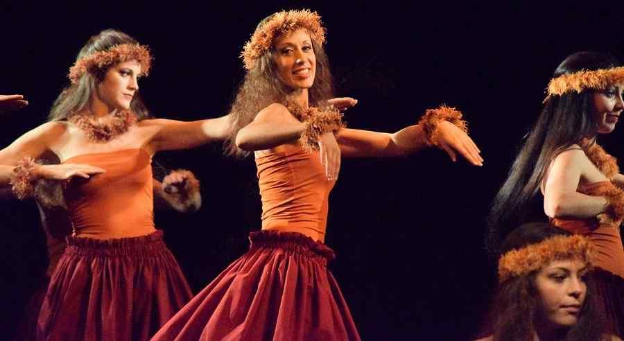 Bailarinas hawaianas